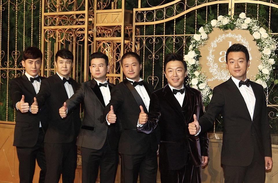 حفل زفاف كيم كاردشيان الصين (6)