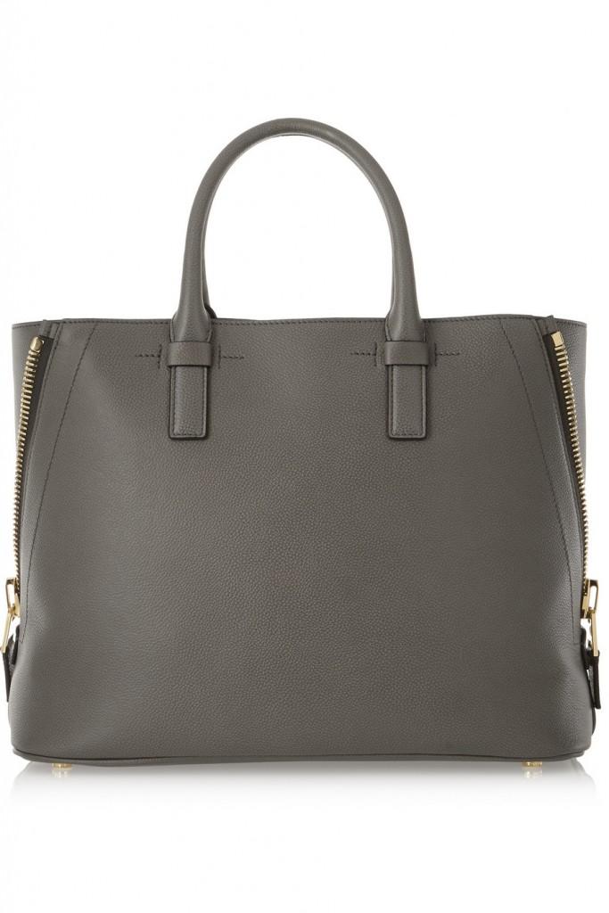 حقيبة باللون الرمادي من توم فورد
