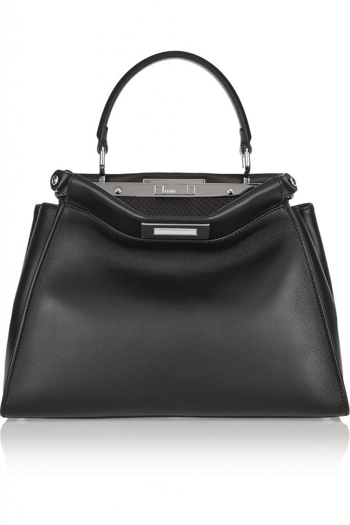 حقيبة سوداء كلاسكية من فيندي