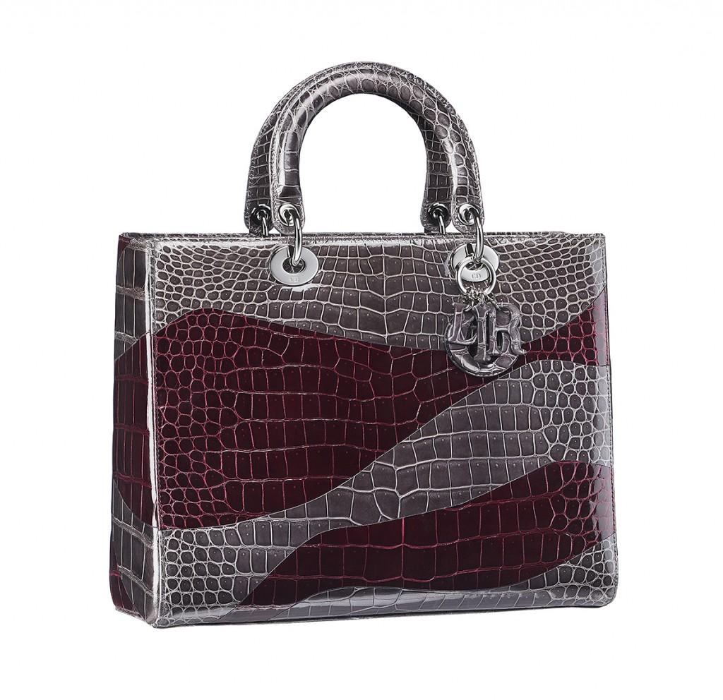 حقيبة من جلد التمساح من ديور
