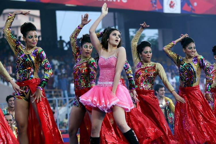 عليا بهات في افتتاح الدوري الهندي (11)