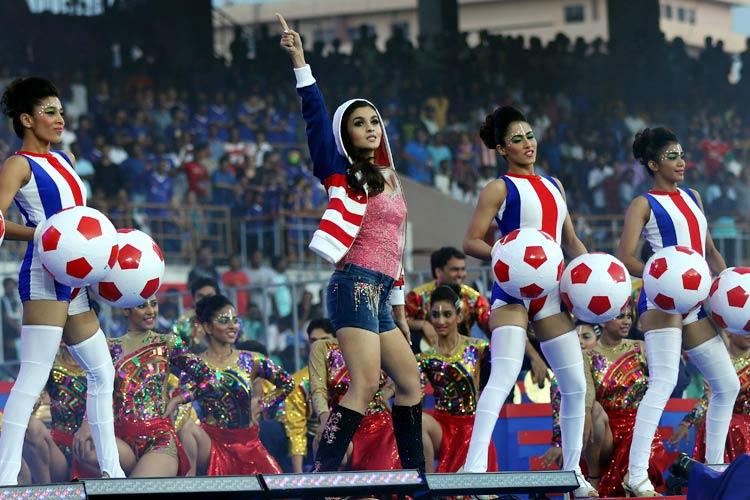 عليا بهات في افتتاح الدوري الهندي (12)
