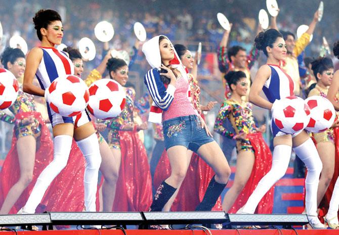 عليا بهات في افتتاح الدوري الهندي (2)