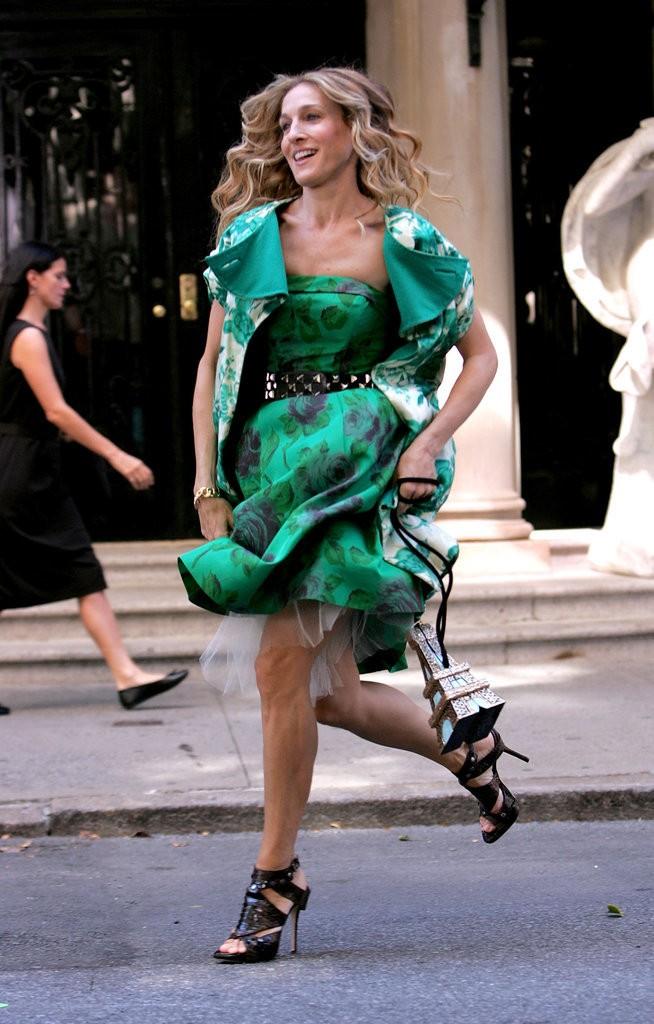 فستان اخضر جريء