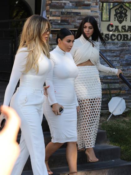 The Kardashian sisters meet up after Kourtneys split from Scott Disick