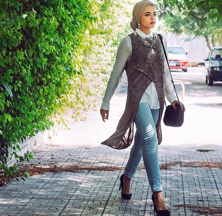 لوك كاجوال وأنيق في آن من مدونة الموضة سحر فؤاد