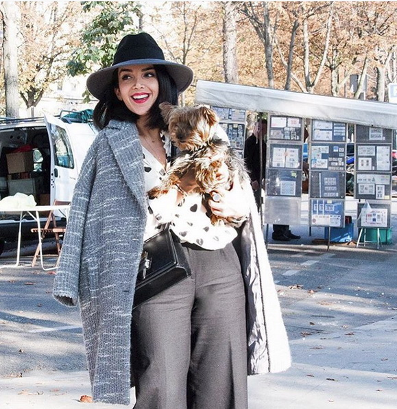 مدونة الموضة زهرة ليلى في إطلالة مميزة في باريس
