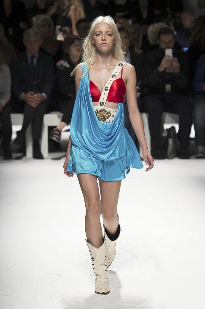 ملابس مصممة تشبه الملابس الداخلية من Fausto Puglisi