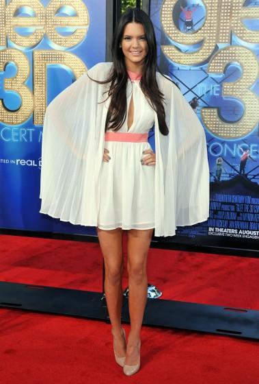 1Kendall-Jenner-Style-EvolutionFFN_Flynet_GleePrem_080611_KM_50638845-379x560