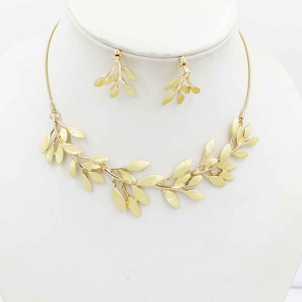 2015-NK168-Europe-and-Korea-jewelry-chain-in-Europe-and-America-leaves-set-clavicle-chain-manufacturers