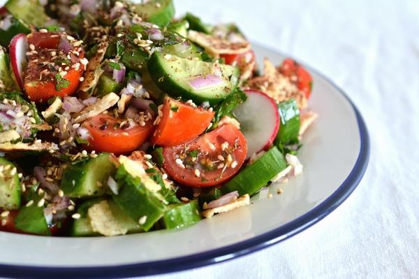 Fattoush-salad-rolls-thyme