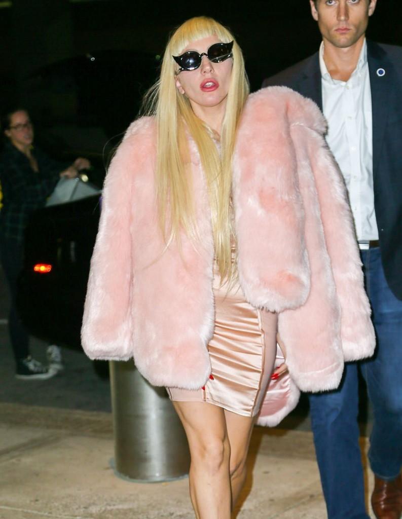 Lady-Gaga-GOTS-JFK-Street-TYle-Tom-Lorenzo-Site-1