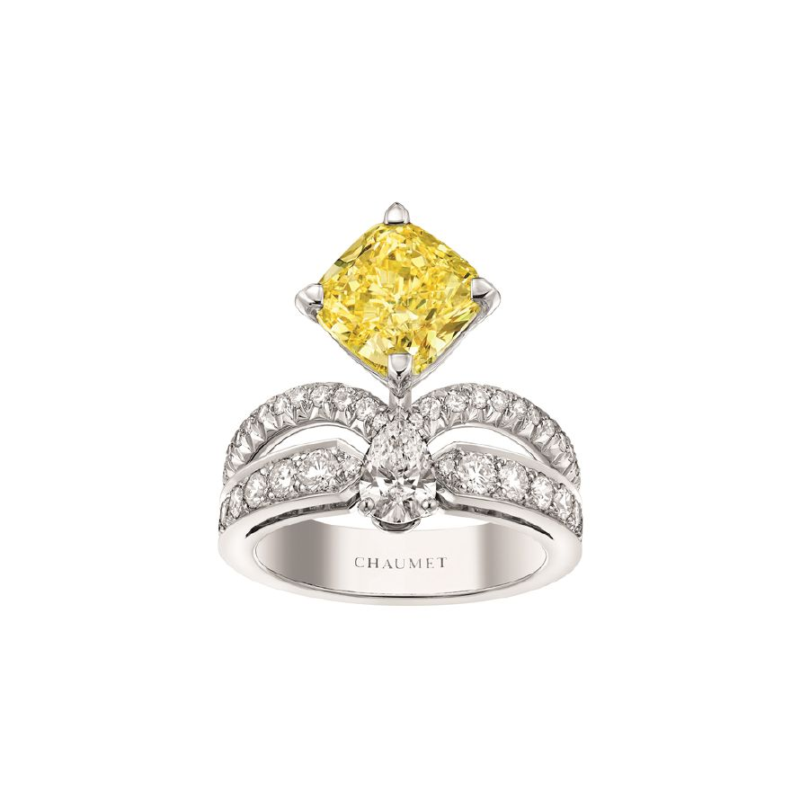 resized_Eclat Floral Joséphine Fancy Intense Yellow diamond ring