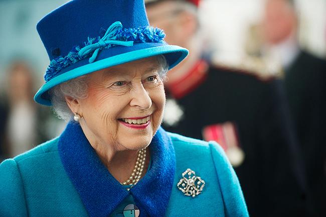 الملكة إليزابيث (1)
