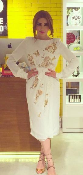فستان مميز بالأبيض والذهبي اختارته نسرين طافش