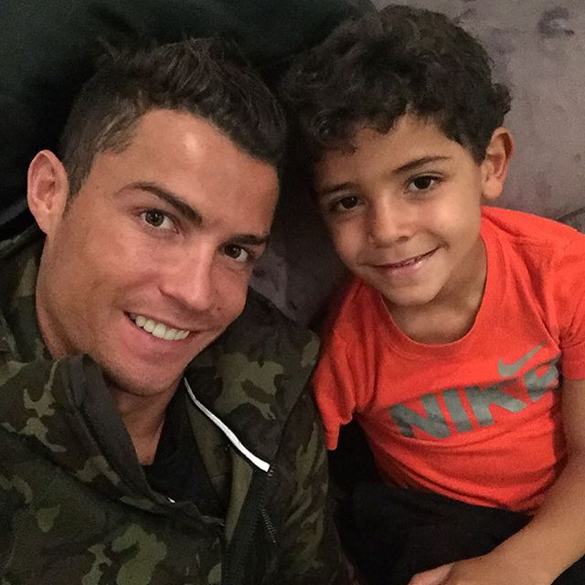 كرستيانو وأبنه