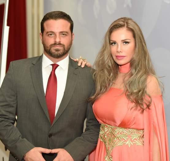 يوسف الخال وزوجته نيكول سابا