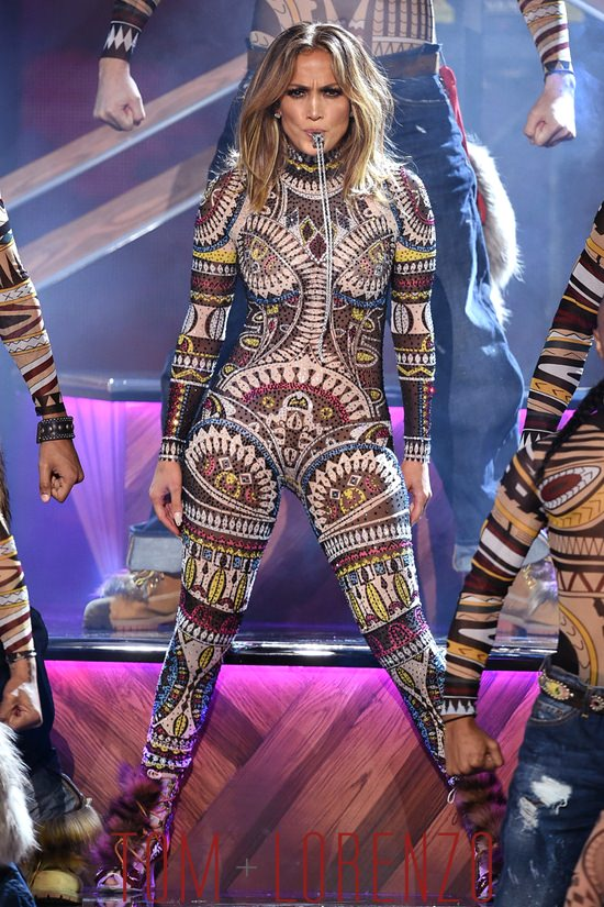 Jennifer-Lopez-2015-America-Music-Awards-Fashion-Tom-Lorenzo-Site-6