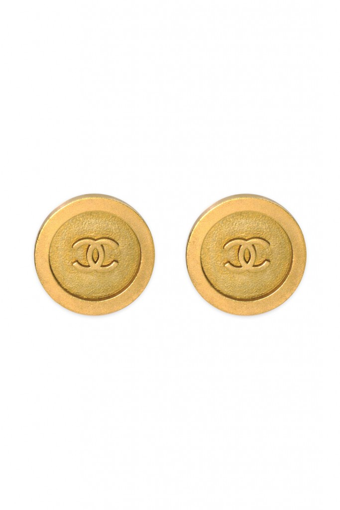 Vintage Chanel Round CC Earring
