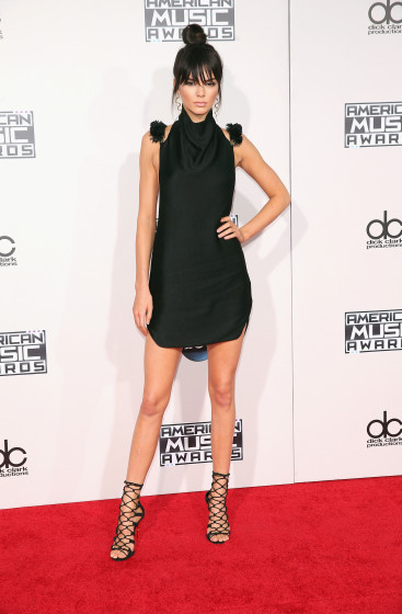 amas-2015-best-dressed-kendall-jenner-367x560