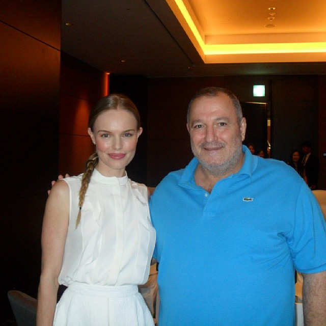 مع النجمة العالمية كيت بوسورث
