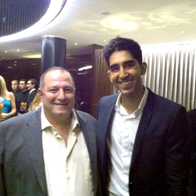 مع النجم الهندي ديف باتل