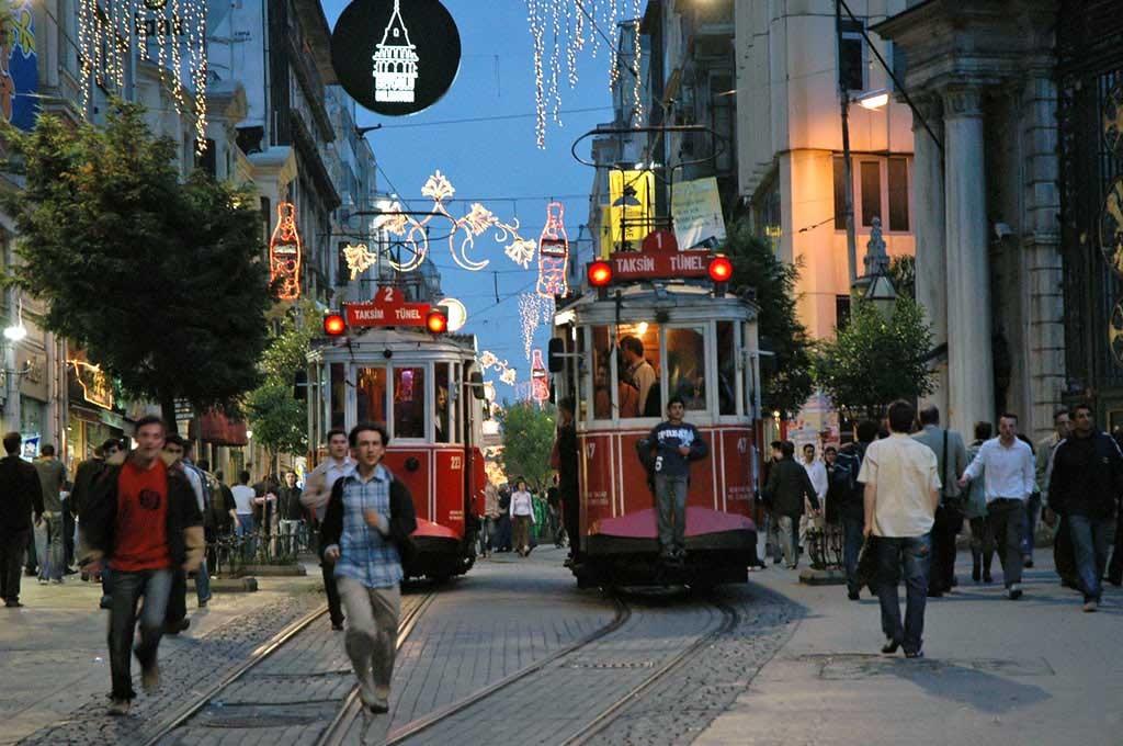Istanbul İstiklal Caddesi