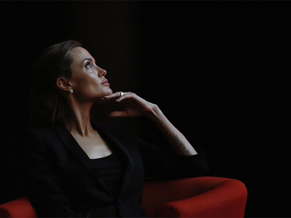 7--Angelina-Jolie