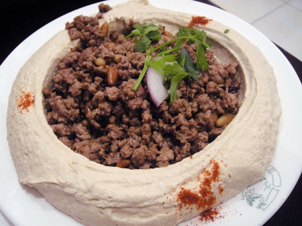 Hummus-with-meat