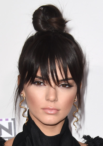 Kendall+Jenner+Dangle+Earrings+Gold+Dangle