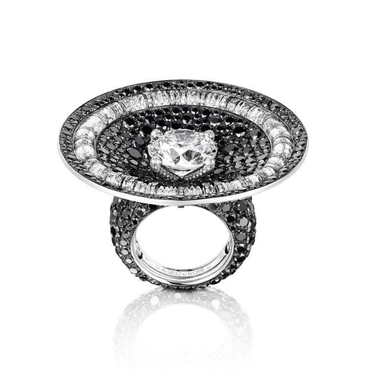 de_grisogono_black_and_white_diamond_cocktail_ring
