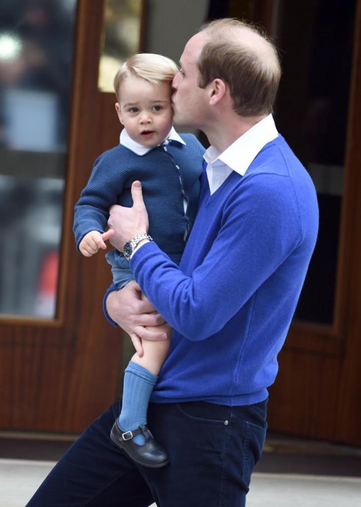 prince-william-prince-george-kiss