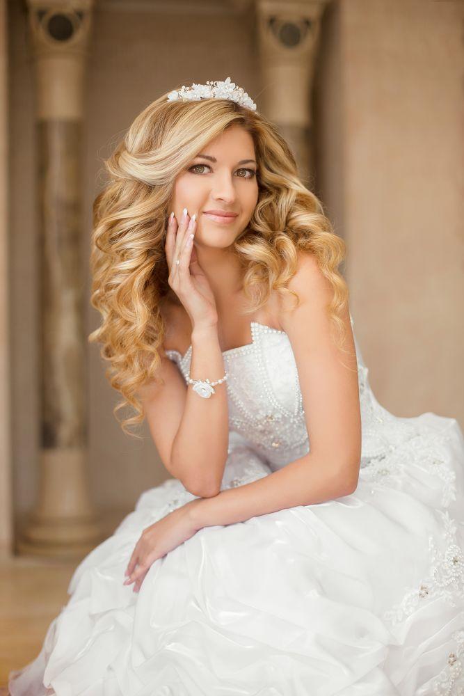 resized_Leading Hairstylist at The Ajman Palace Hotel Wedding Fair 02