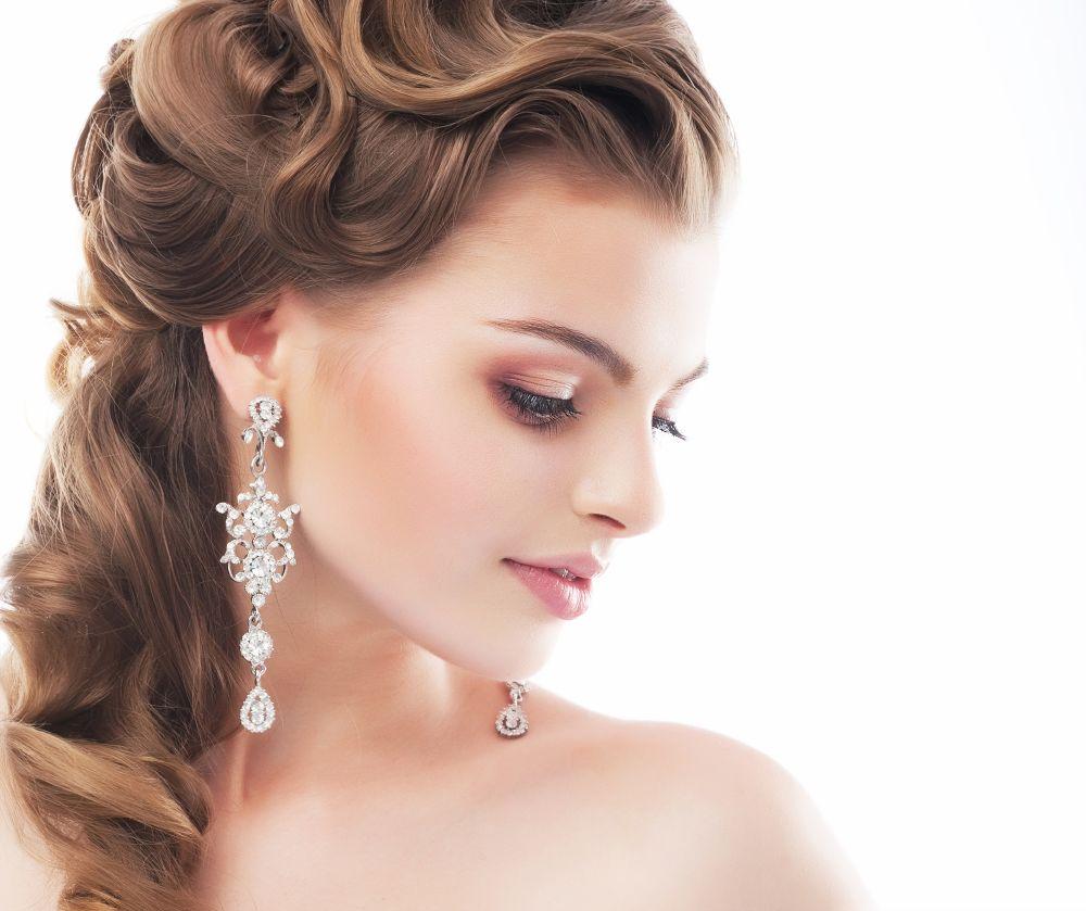 resized_Leading Hairstylist at The Ajman Palace Hotel Wedding Fair 03