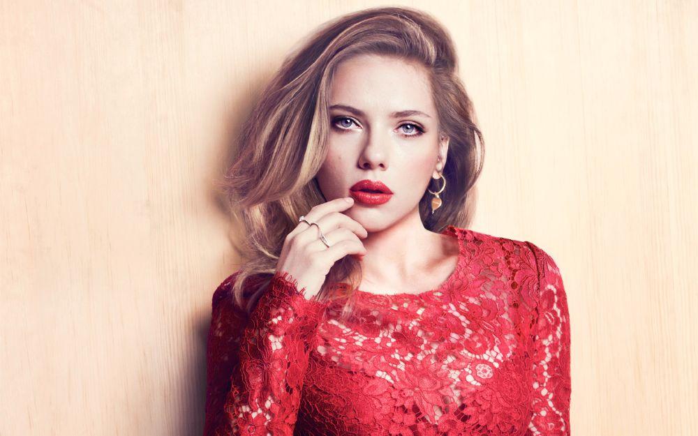 resized_Scarlett Johansson
