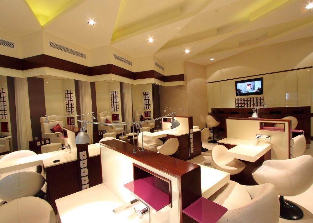 resized_Sisters Beauty Lounge (2)