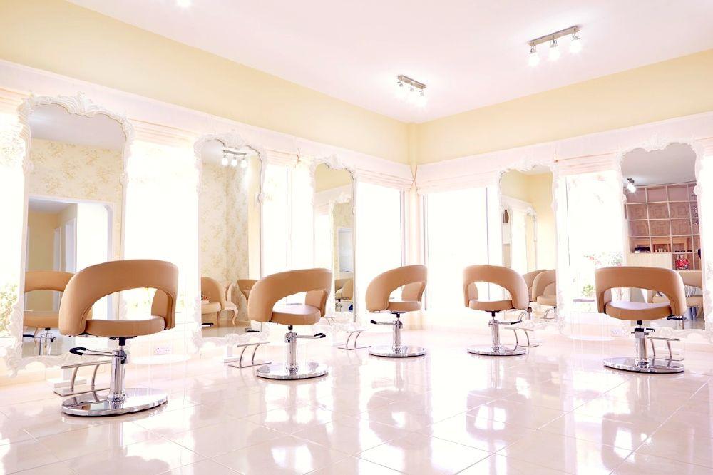 resized_Snob Salon & Boutique (1)