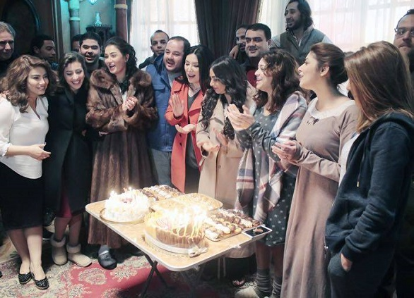 جنات تحتفل بعيد ميلادها مع أسرة اللي اختشوا ماتوا