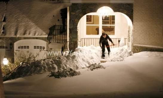 كثافة الثلوج في شرق أمريكا تصل إلى 67سم (1)