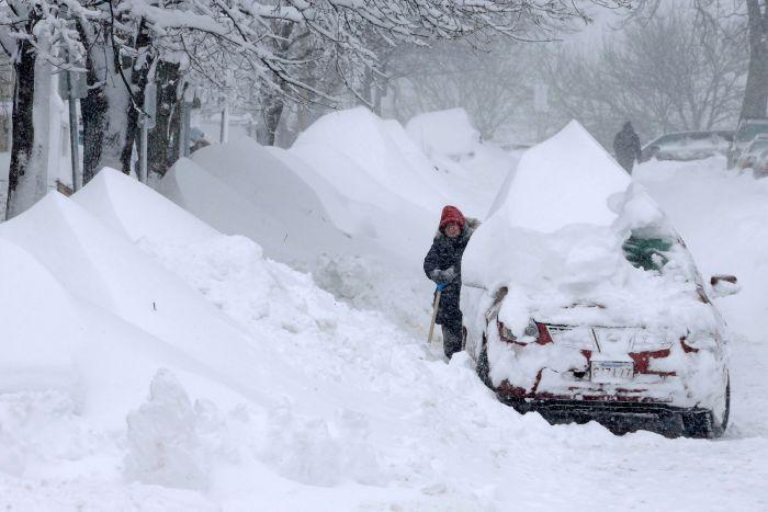 كثافة الثلوج في شرق أمريكا تصل إلى 67سم (3)
