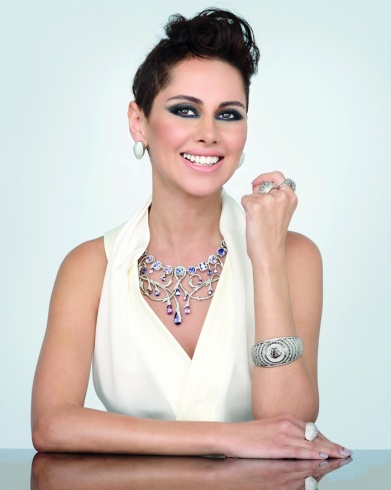 ياسمين-رئيس-VERSACE-FINE-JEWELLERY