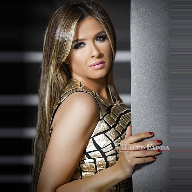 ياسمين عبد العزيز (4)