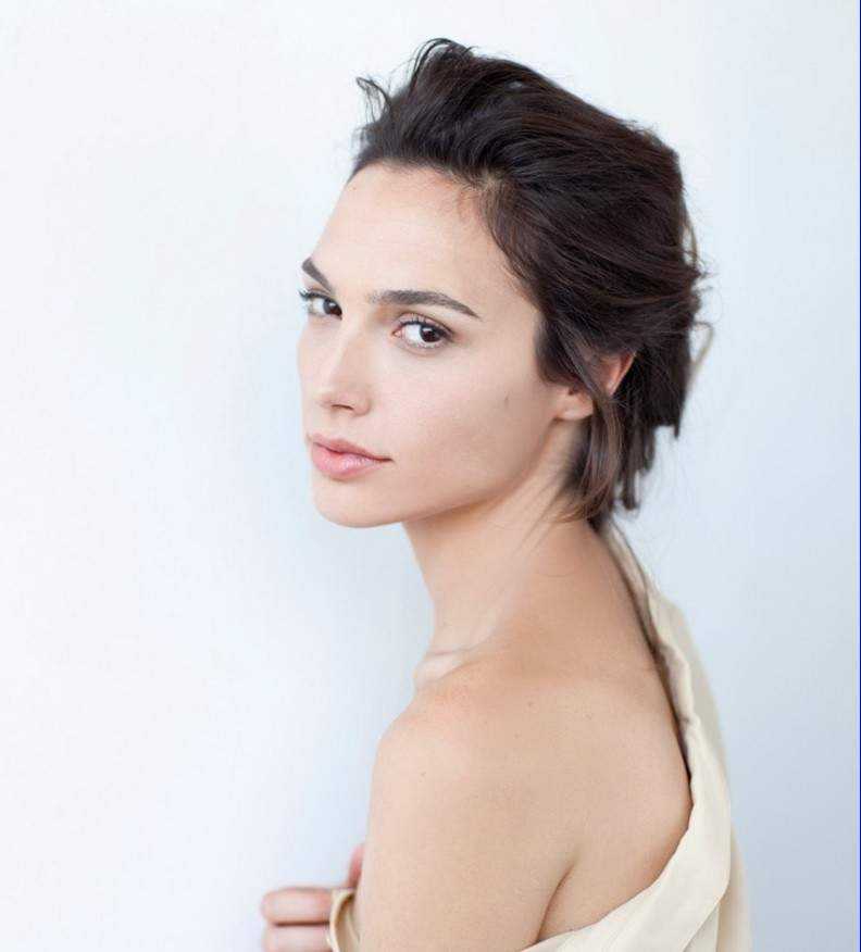 Gal-Gadot-Named-The-New-Face-of-Gucci-Bamboo-fragrance2-1020x1321-791x1024