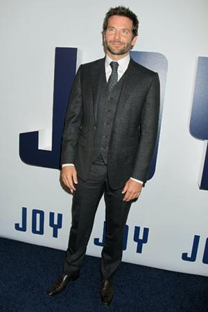 Joy فيلم جديد يجمع جنيفر لورانس وبرادلي كوبر (17)