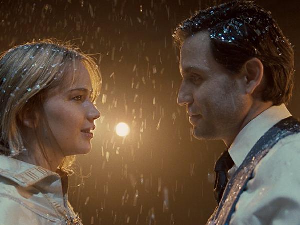 Joy فيلم جديد يجمع جنيفر لورانس وبرادلي كوبر (20)