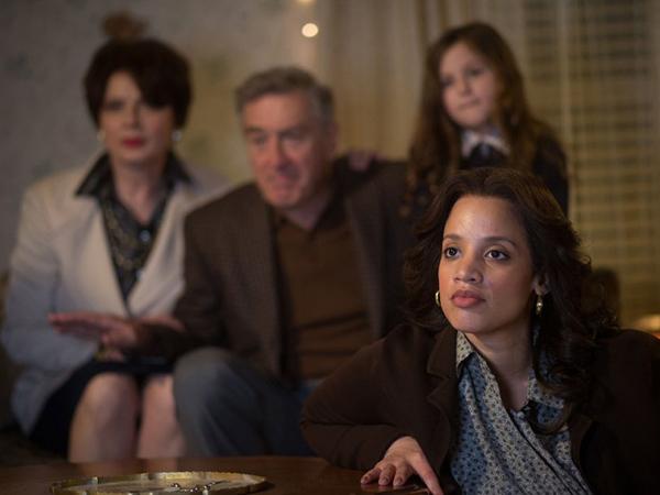 Joy فيلم جديد يجمع جنيفر لورانس وبرادلي كوبر (4)