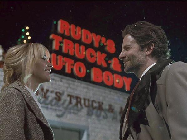 Joy فيلم جديد يجمع جنيفر لورانس وبرادلي كوبر (7)