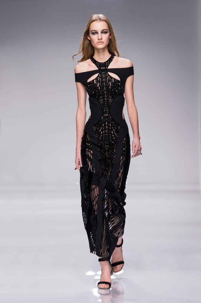 resized_Atelier Versace SS16_Look 19