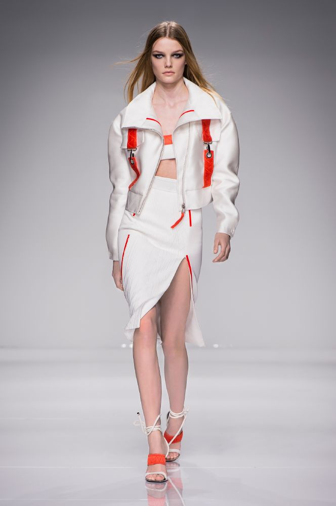resized_Atelier Versace SS16_Look 2