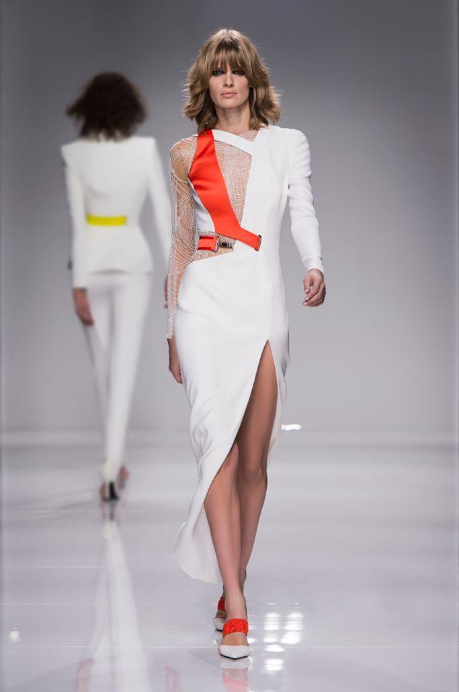 resized_Atelier Versace SS16_Look 4